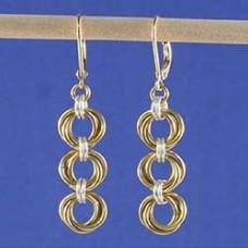 TriMobius Chain Maille Earrings - Free Pattern by Lauren Andersen