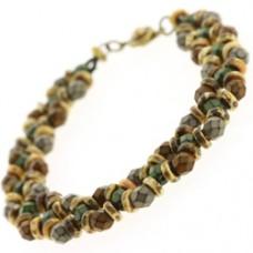 Crisscrossing Bracelet - A Free Pattern by Leslie Rogalski