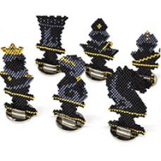 Miyuki Delica Chess Piece Statues, A Free Pattern by Miyuki