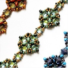 Fayans Bracelet, A free pattern by Leslie A.Pope