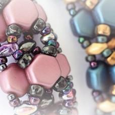 Honeycomb Bangle, a Free Pattern by Apollinariya Koprivnik