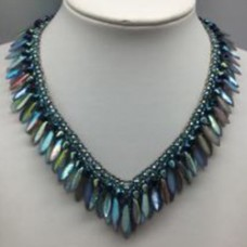 Peacock Feathers Necklace - A Free Pattern by Natascha Kralen
