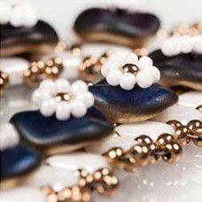 Primroses Earrings - A Free Pattern by Olga Haserodt