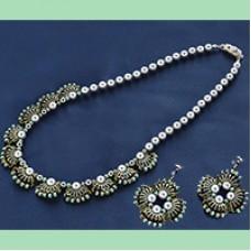 Quarter Tila Necklace and Earrings Set - A Free Pattern from Miyuki
