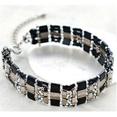 Miyuki Tila and Half-Tila Bracelet, a Free Pattern from Miyuki