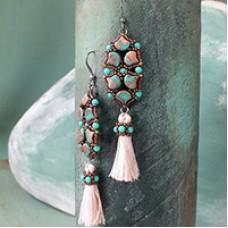 Fairy Wing Earrings, A Free Pattern by Nela Kabelova