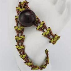 SuperDuo Wrap It Up Bracelet, A Free Pattern by Cynthia Newcomer-Daniel